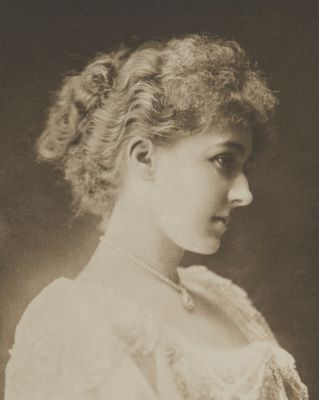 Miss Mary Moore