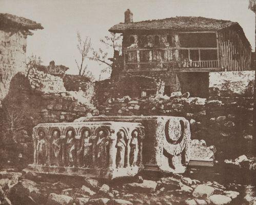 Pl. 7 Sarcophages Romains et Stèle Turque