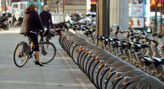 Bike sharing system in Paris