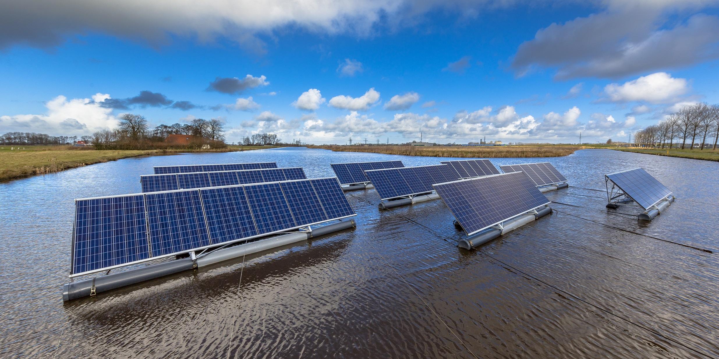 floating solar farm v1