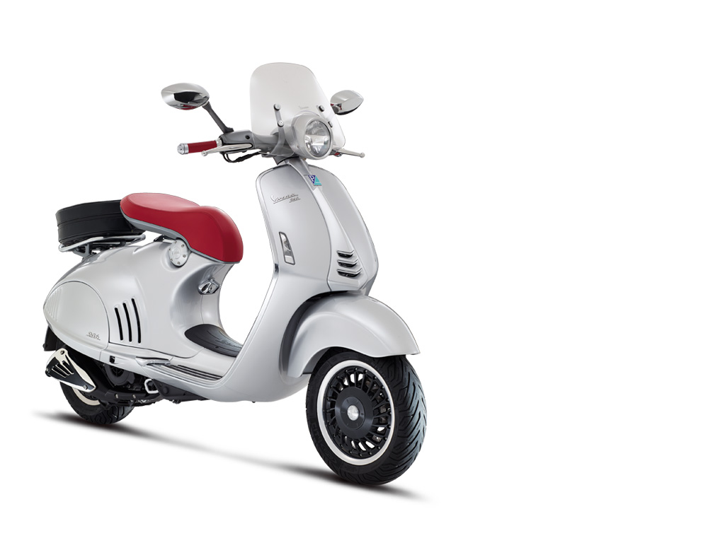 New Vespa 946 - 130th Anniversary Edition-https://res.cloudinary.com/matome-cdn/image/upload/v1479233200/dflpqzouamhzzqy1sa55.jpg
