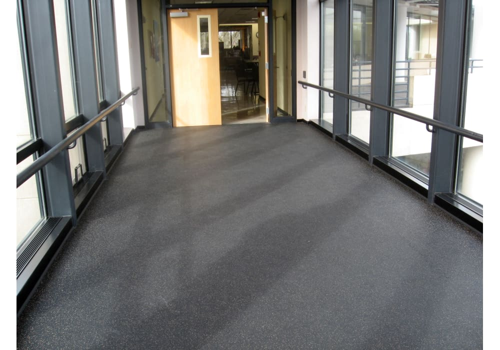 Rubber interlocking floor tiles for pro or home gyms. easy to install