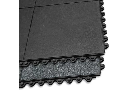 Performa Elevated Solid-Deck Rubber Mat (3'x3')