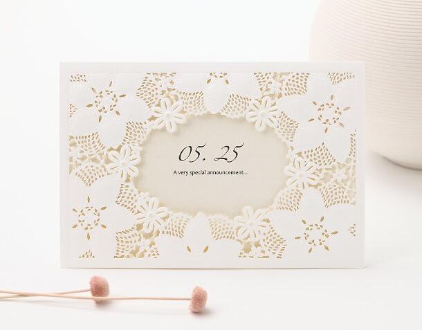 Mẫu thiệp cưới bì thư dập hoa kết hợp viền laser