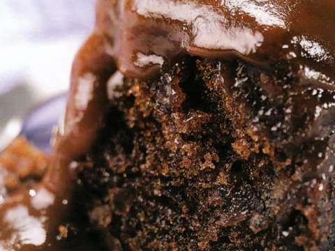 Κέικ σοκολάτας με σως καραμέλας