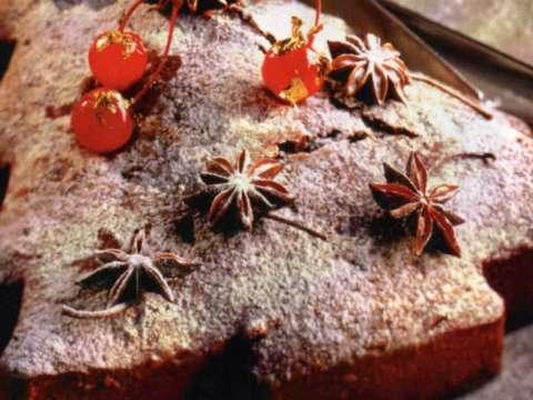 Εορταστικό κέικ με μπαχάρια, ρούμι και αποξηραμένα φρούτα