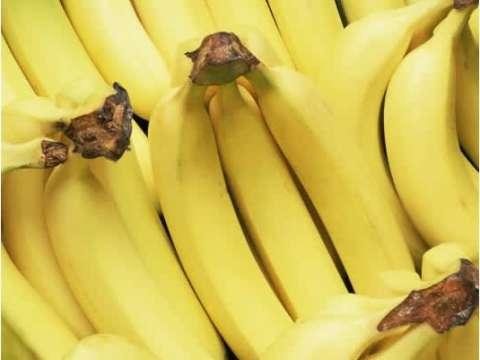Cheesecake μπανάνας με σως καραμέλας και καρύδια