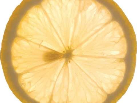 Κέικ λεμονιού με γλάσο σε σχήμα στεφανιού