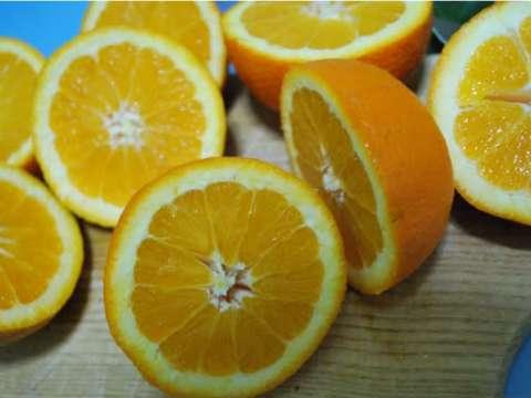 Κέικ με γλάσο πορτοκάλι