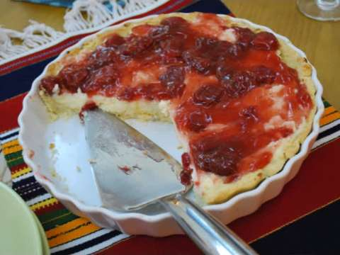 Τάρτα με κρέμα και φράουλες
