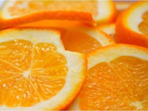 Σταφιδόψωμο με γλάσο πορτοκάλι