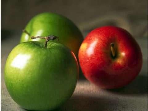Σαρλότ κρέπας με μήλο, αχλάδι & σταφίδα