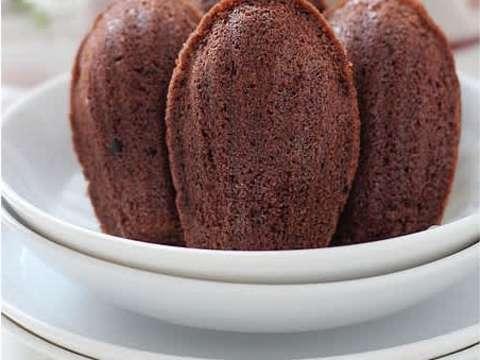 σοκολατένιες μαντλέν (Madeleines) με ξύσμα λεμονιού