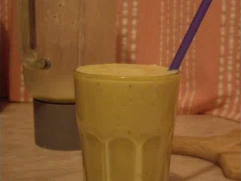 Σμουθιδέα (πορτοκάλι-μήλο-μπανάνα-μέλι)