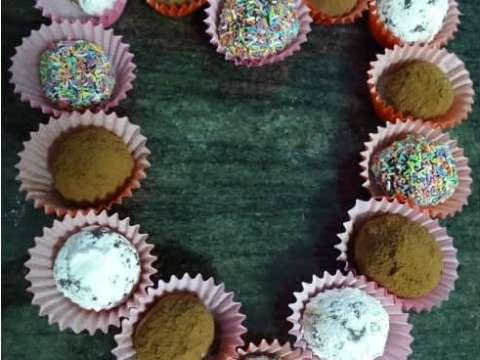 Τρουφάκια με πικρή σοκολάτα και νουτέλα