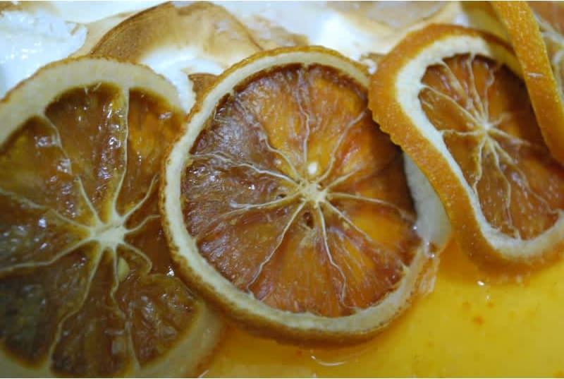 Συνταγή Μους λεμονιού που φοράει... καμένη μαρέγκα!