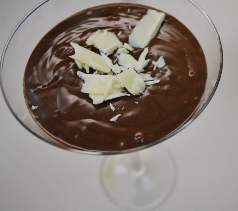 Συνταγή Μους σοκολάτας με επισκέπτη... το βύσσινο!