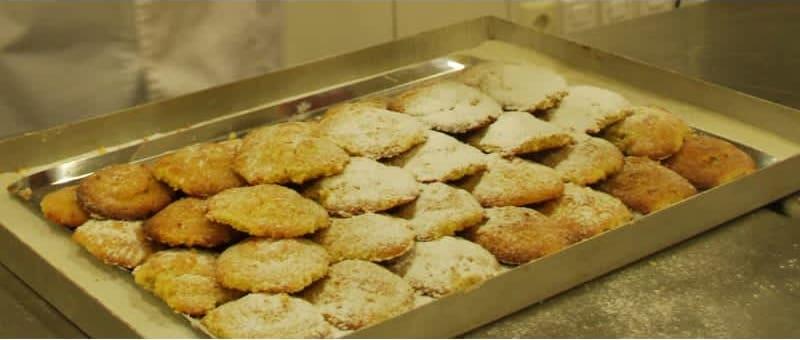 Συνταγή μαμούλ (παραδοσιακό λιβανέζικο γλυκό) με καρύδι