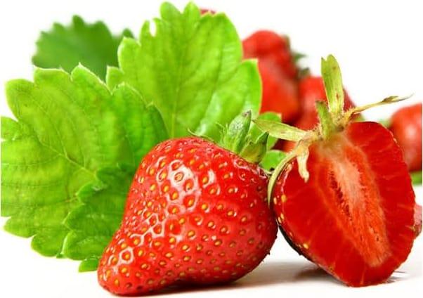 Συνταγή Πιτάκια γεμισμένα με κόκκινα φρούτα