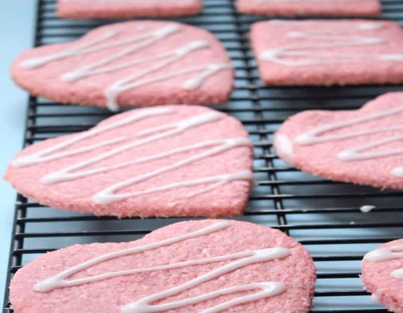 Συνταγή Αγιοβαλεντιάτικες ροζ καρδιές-μπουκιές