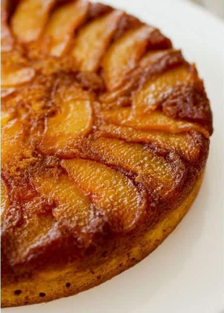 Συνταγή Γλυκιά πίτα με αχλάδια κι αμύγδαλα