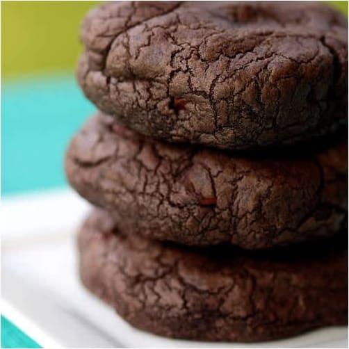 Συνταγή Τεράστια διπλά σοκολατένια μπισκότα με choc chips