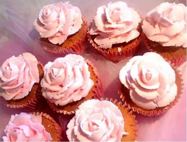 Συνταγή Απλή κρέμα βουτύρου για cupcakes και τούρτες
