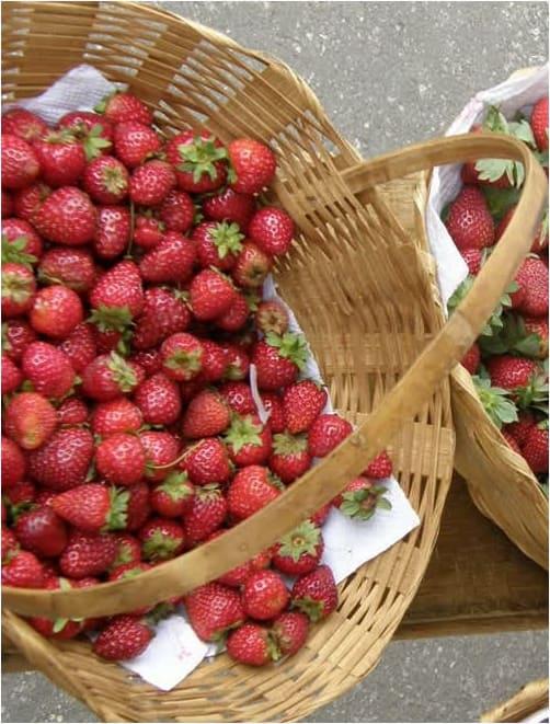 Συνταγή Μαρμελάδα φράουλας με ολόκληρες φράουλες!