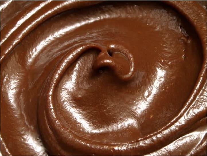 Συνταγή κορμός με 3 είδη σοκολάτας και σως φράουλας