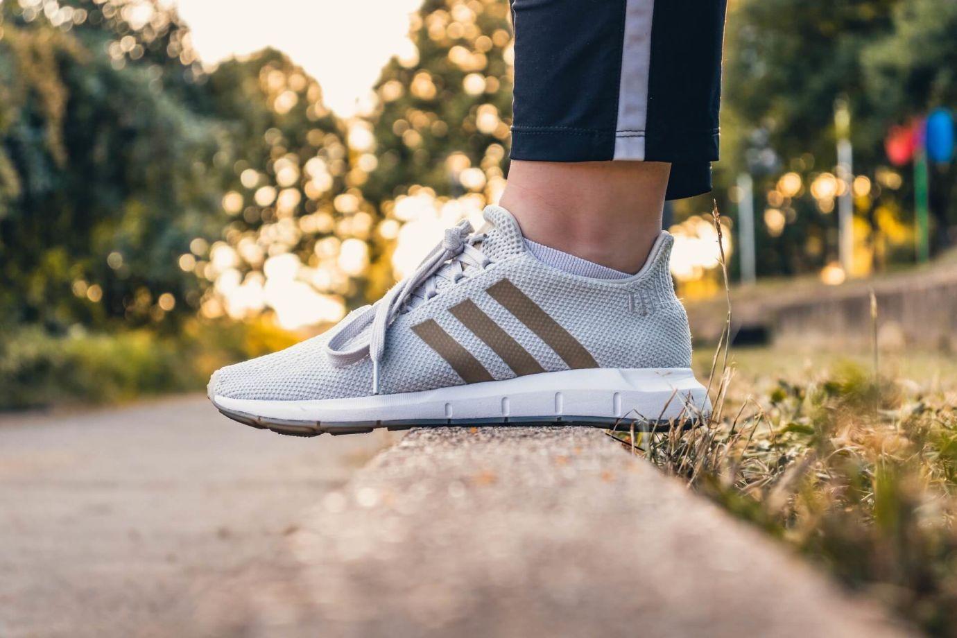 Helle High Top Sneaker von Adidas