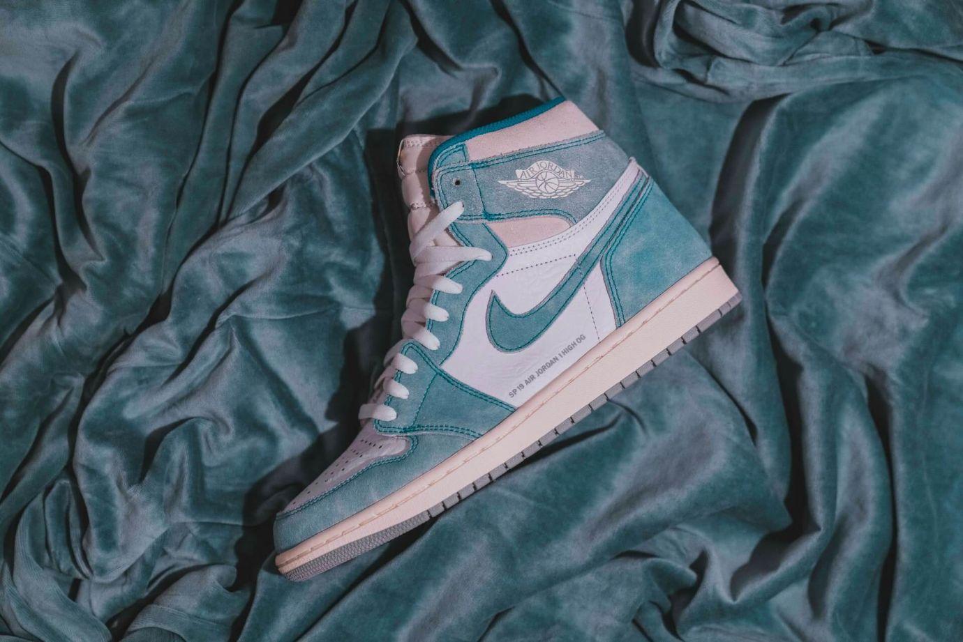 Wie bindet man Sneaker ohne Schleife?