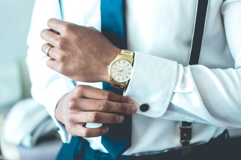 Nahaufnahme vom Oberkörper eines Geschäftsmanns