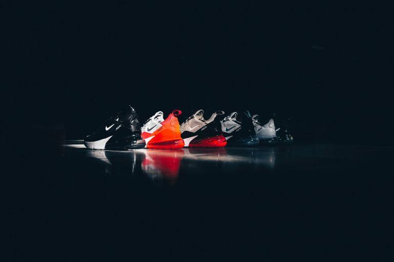 Verschiedene Nike Sneaker}
