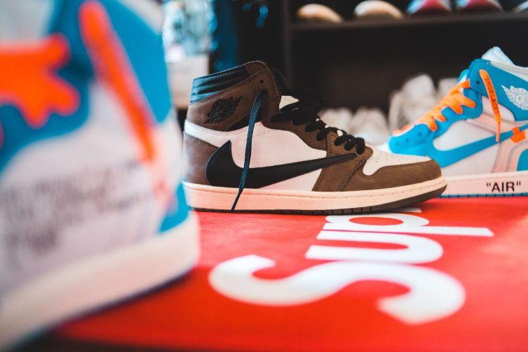 Wo bekommt man günstige Nike Schuhe?}