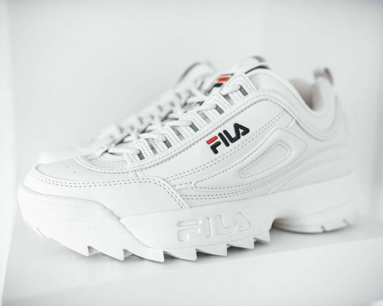 Welche Sneaker machen größer?}