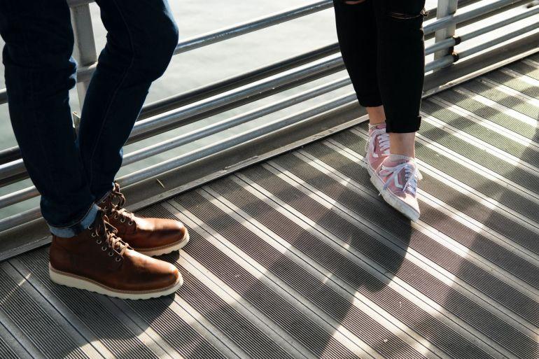 Welche Sneaker passen zum Rock?}