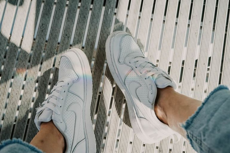 Welche Sneaker machen kleine Füße?}