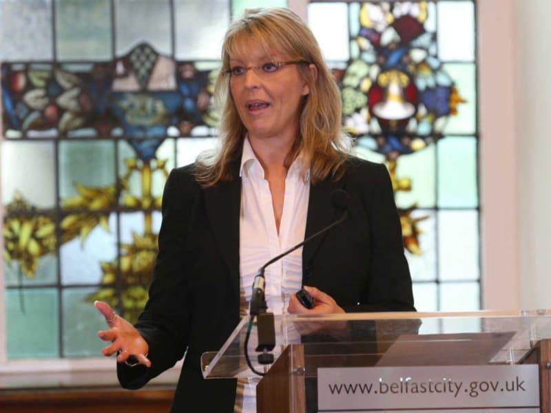 Melanie Polkosky presenting Belfast City Hall