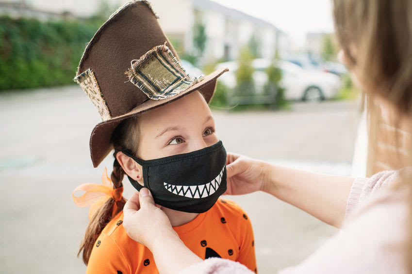 2021 Trick-Or-Treat Tips: Fewer Cavities Means More Fun!