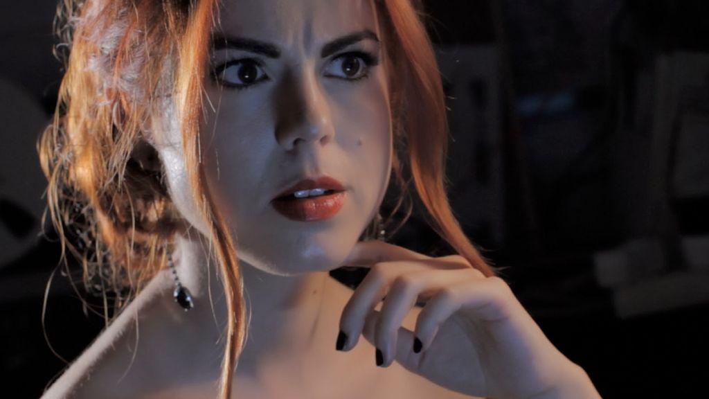 nocturna-la_mujer_que_hablaba_con_los_muertos