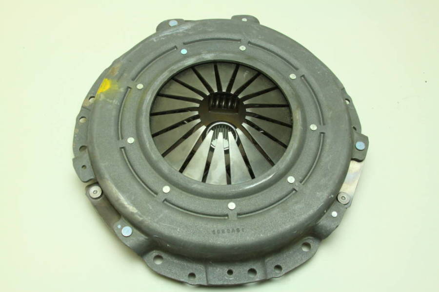 a97905bc 6/7 Here's another larger diaphragm clutch and disc for GM applications  with fine-tooth clutch disc.