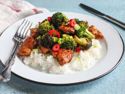 Spicy Chicken and Broccoli Stir-Fry