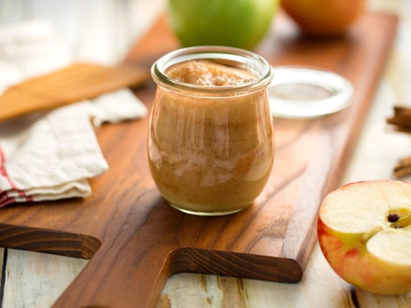 Pressure Cooker Cinnamon Applesauce