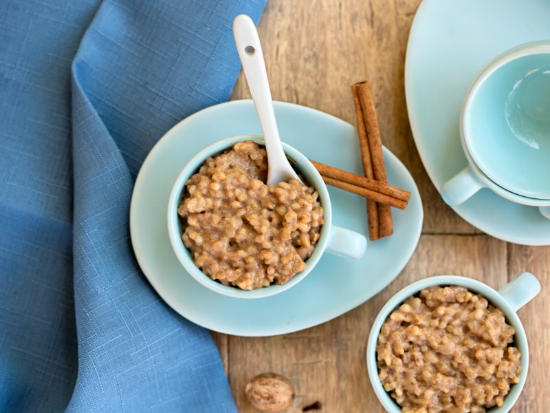 Slow Cooker Chai-Spiced Oatmeal