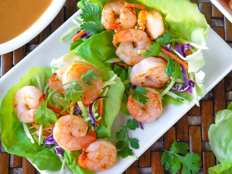 Easy Shrimp Lettuce Wraps with Spicy Peanut Sauce
