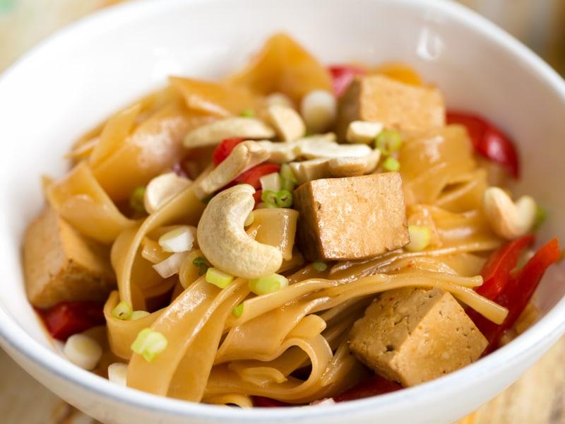 Pressure Cooker Sriracha Sticky Noodles