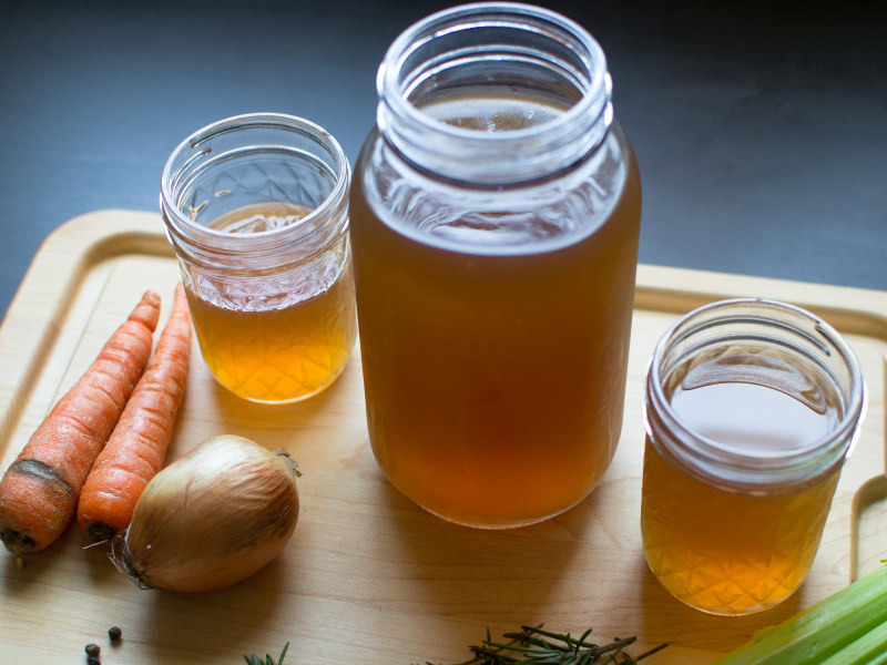 Pressure Cooker Vegetable Stock
