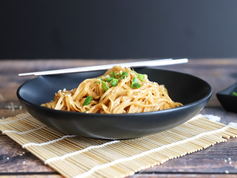 Pressure Cooker Sticky Chili-Garlic Noodles with Chicken