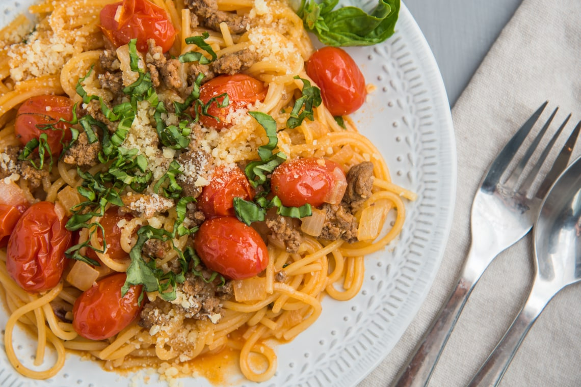 One-Pot Spaghetti with Beefy Tomato Sauce