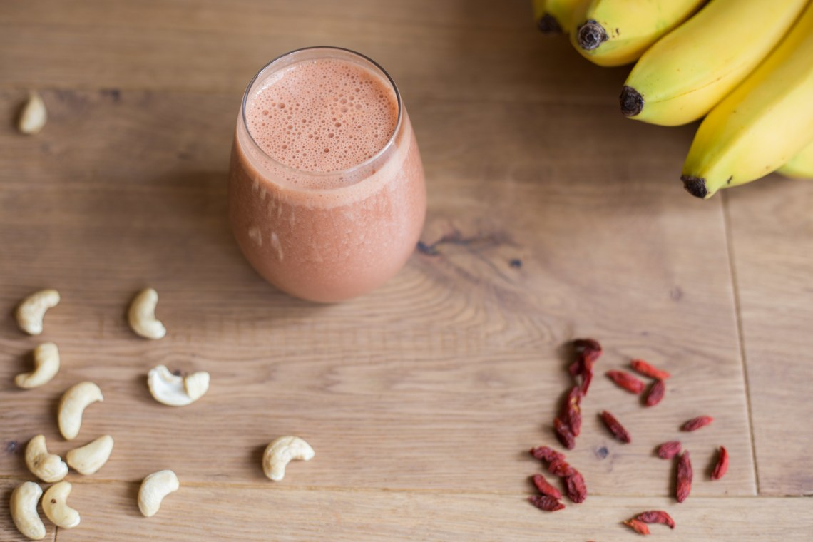 Pomegranate Goji Smoothie